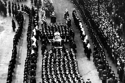 ジョージ6世崩御(1952年2月)