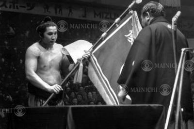 大関・貴ノ花が初優勝(1975年3月)