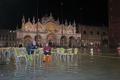 水の都ベネチア、街の75%が浸水