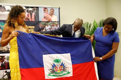 父の祖国ハイチを訪問
