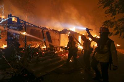 【11月】カリフォルニア 史上最大の山火事