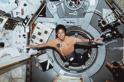 宇宙飛行士・向井千秋さんが宇宙へ