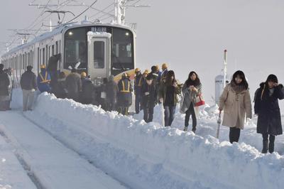 本州各地で大雪