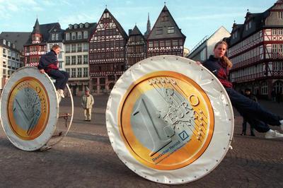 ユーロ通貨の流通開始
