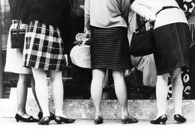 ミニスカートの流行(1966年)