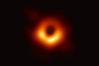 4月10日 ブラックホールの撮影に初成功 日米欧の研究チームが連携