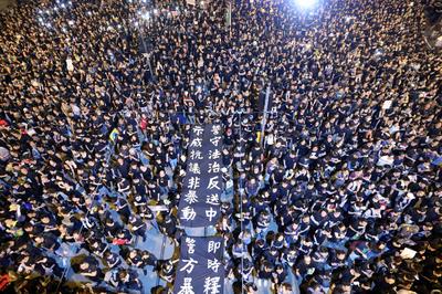 6月15日~ 香港「逃亡犯条例」、改正延期されるも混乱続く