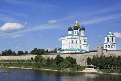 プスコフ建築派の聖堂群(ロシア)