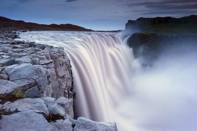 ヴァトナヨークトル国立公園 - 火と氷の絶えず変化する自然(アイスランド)