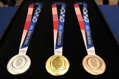 メダルのデザインを発表