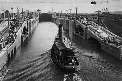 パナマ運河開通(1914年8月)