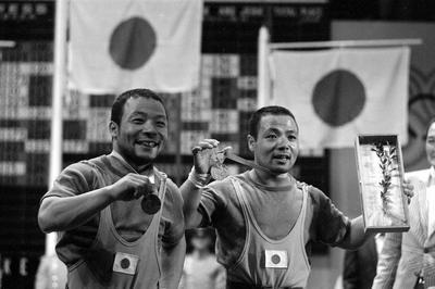 三宅義行・義信が兄弟でメダル獲得
