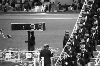 陸上男子 米のハインズが100mを9秒台で優勝