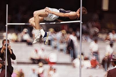 陸上男子 フォスベリーが背面跳びで金メダル