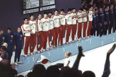 バレーボール男子 日本が金メダル獲得