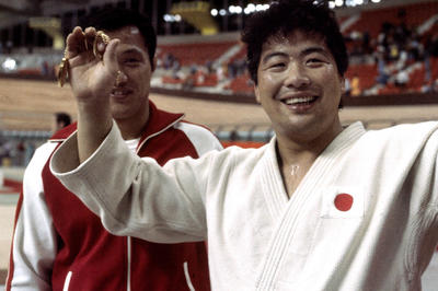 上村春樹が無差別級で日本人初の金メダル