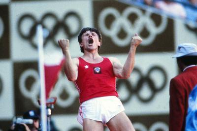 ブブカが棒高跳びで金メダル獲得