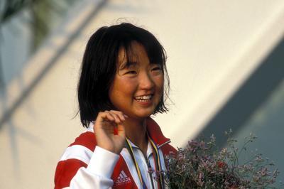 岩崎恭子が金メダル