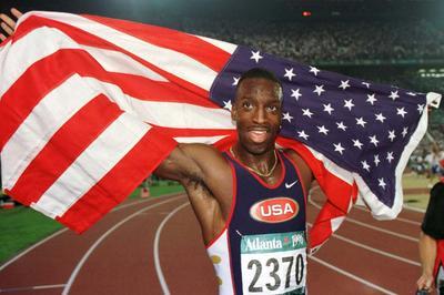 M・ジョンソンが200、400で金メダル