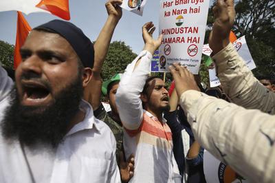 インドで市民権法改正法に抗議