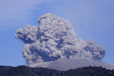 霧島山・新燃岳が噴火(2011年1月26日)