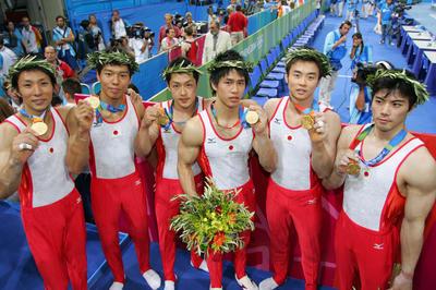 日本が団体で28年ぶりの金メダル獲得