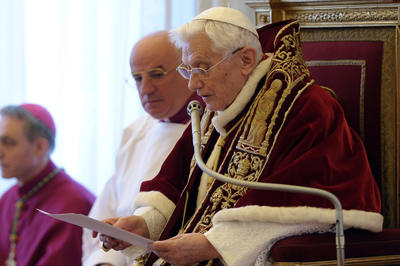 ローマ法王・ベネディクト16世が退位表明(2013年2月11日)