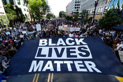 5月末-6月 米、警官暴行で黒人男性死亡 抗議デモが深刻化