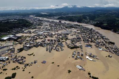 7月4日- 日本列島各地で大雨 九州を中心に河川が氾濫(令和2年7月豪雨)