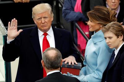 第45代米大統領に就任