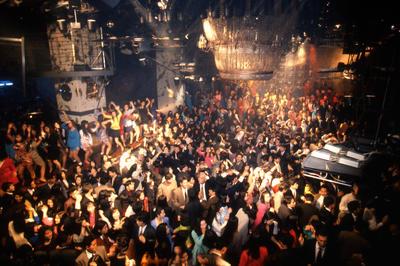 「ジュリアナ東京」オープンから30年(1991年5月15日)