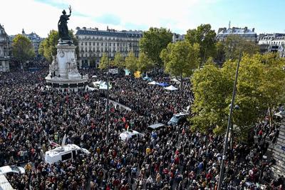 仏パリ郊外 中学教師殺害事件