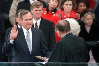 ブッシュ大統領 2期目の大統領選で敗れる
