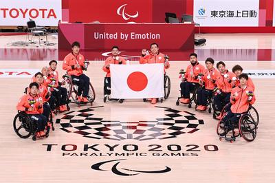 【銀メダル】車いすバスケ男子チーム