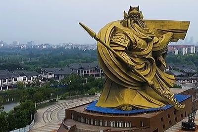 【話題】巨大な関羽像、巨大すぎた