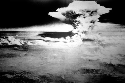 原子爆弾投下