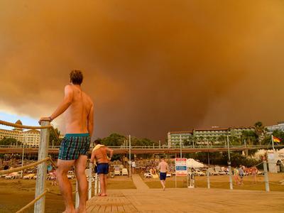 トルコで山火事発生