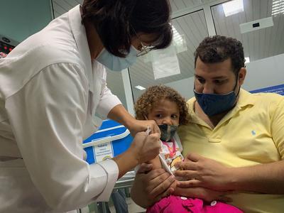 世界初!幼児にワクチン接種
