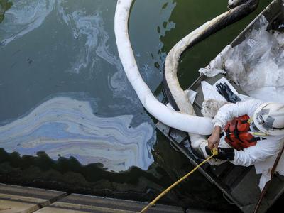 カリフォルニア州沖で原油流出
