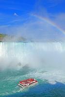 カナダ 虹のナイアガラの滝とホーンブロワー・ナイアガラ・クル...