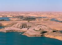 エジプト アブ・シンベル神殿とナセル湖
