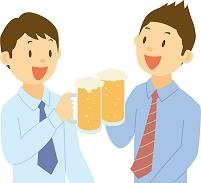 ビールで乾杯する若い男性社員