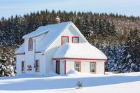 カナダ 雪景色と家