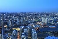 神奈川県 ランドマークタワーより望む都会の街並