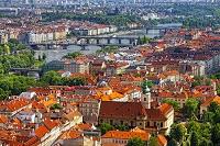チェコ プラハ ヴルタヴァ川と街並み