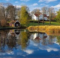 スウェーデン 湖畔の家