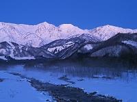 長野県 松川橋より松川と白馬三山朝景