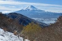 山梨県 御坂峠より河口湖と富士山