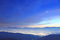 長野県 松本市 美ヶ原 王ヶ鼻から望む穂高連峰と乗鞍岳と御嶽...