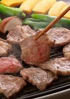 鉄板で返したジンギスカン 食べ物 料理